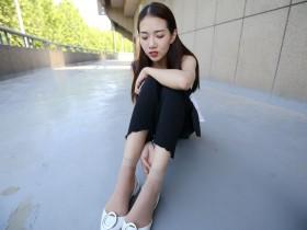 丝域街拍论坛:美女教你怎样穿更能尽显玉腿颀长
