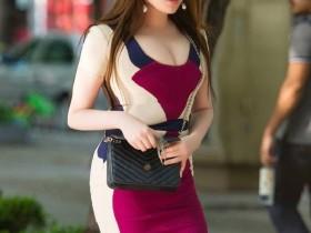 3a街拍长发披肩的轻熟女人, 穿的紧身裙太迷人!