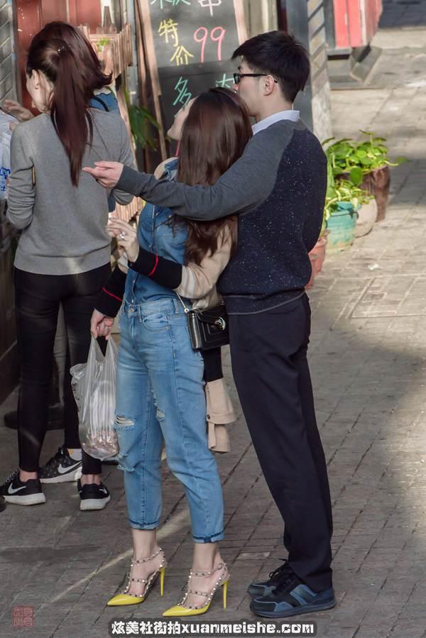 真实街拍 真实街拍美女紧身裤 真实的重庆美女街拍 真实街拍摄影论坛