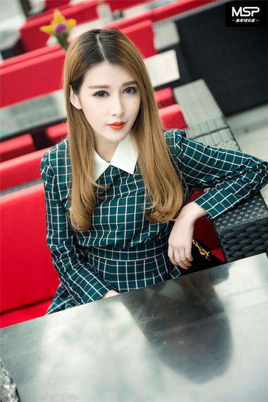 """大陆女神90后模特""""李欣卉""""网拍之路坚持梦想"""