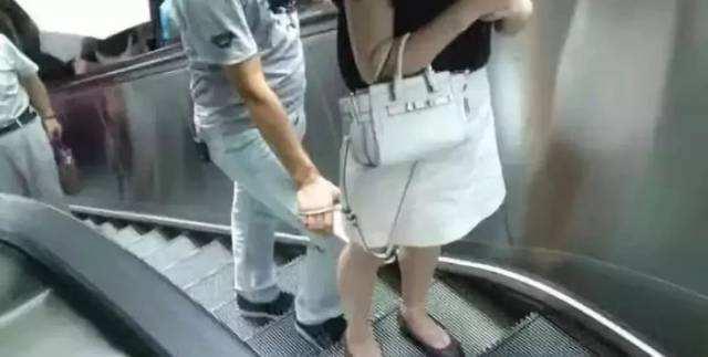 清华硕士为什么偷拍女性被男友当场抓获