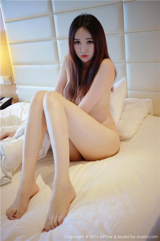 [大陆美女]电竞唐嫣《七煌仙儿》的资料—肤白、腿美黑丝诱人