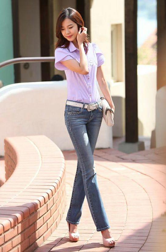 无界街拍穿出妹子惹火好身材的气质牛仔裤提臀收腰