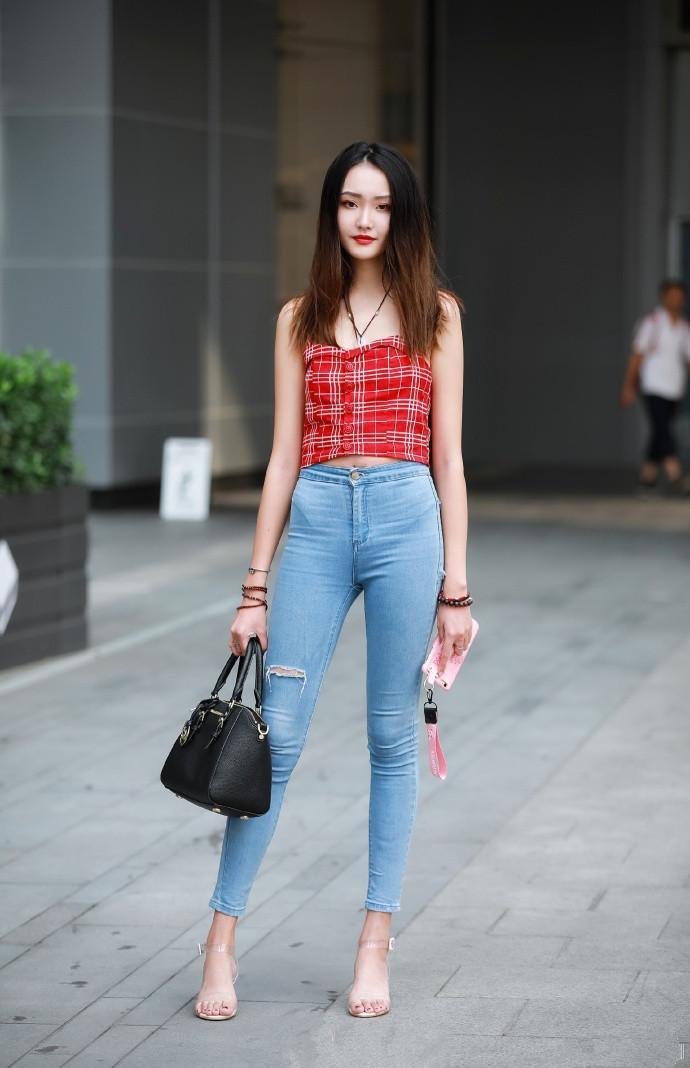 牛仔裤作为百搭单品, 简约随意风格, 一万条也不会嫌多